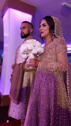 Whtie wedding bouquet gold wedding dress