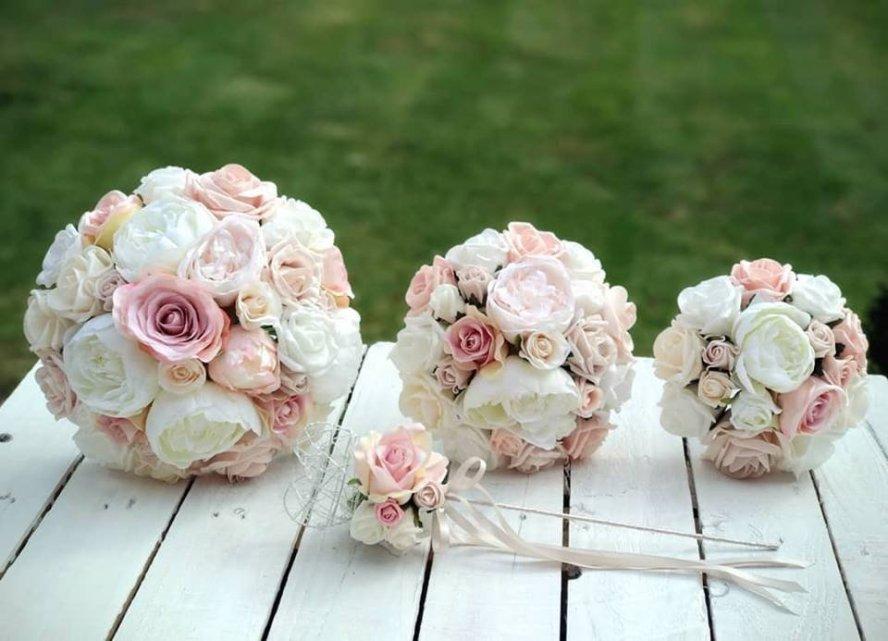 Dusky pink rose gold and ivory rose wedding bridal bouquet bridal dusky pink rose gold and ivory rose wedding bridal bouquet mightylinksfo