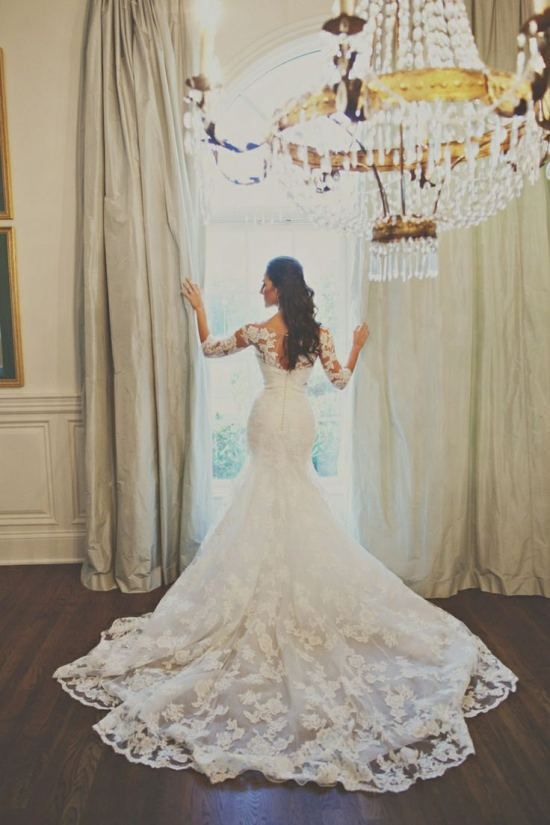 lace embroidery wedding dress