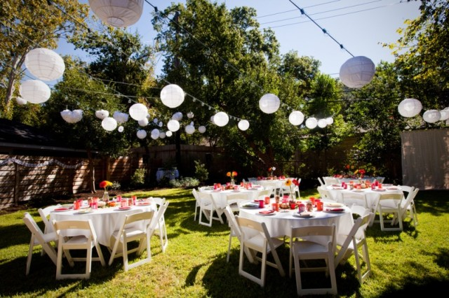 decorating garden wedding