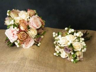 135 Bride & Bridesmaid