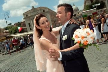 peach wedding dress | Fibre di Luce Photography