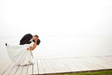 bride and groom kiss   hendrickson photography weddings