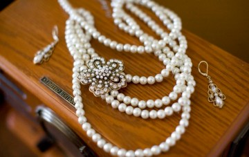 vintage style pearls | scarlett and stephen photography