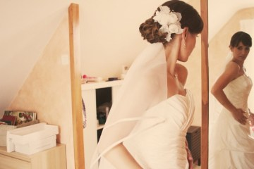 wedding hair flower | claire eliza photography