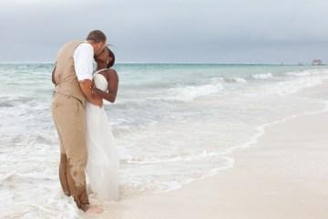beach bride and groom   leigh skaggs photography