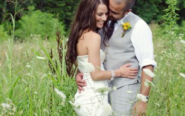 A Charming Yellow & Grey Riverboat Wedding