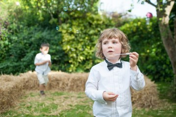 Quirky and Colourful 1950s Garden Wedding   FO Photography (13)