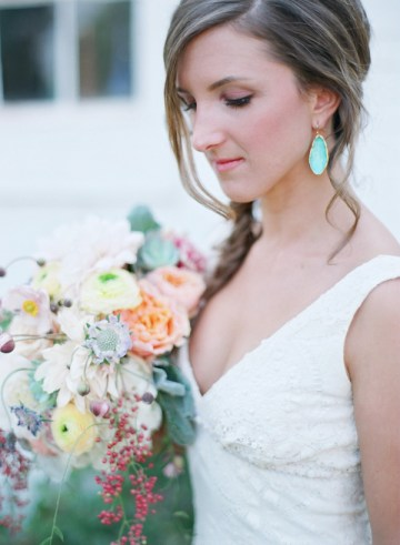 Pastel Rustic Chic Wedding | Laura Murray Photography | Bare Root Flora 27