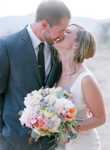 Pastel Rustic Chic Wedding | Laura Murray Photography | Bare Root Flora 32