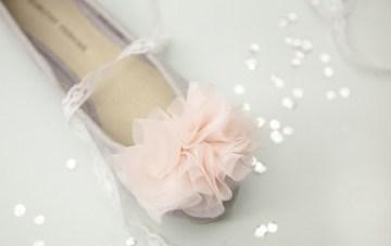 DIY Shoe Clips: Chiffon Pom Poms
