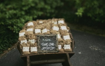 DIY Southern Wedding | Jonas Seaman Photography | Bridal Musings 32