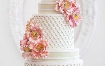 Textured Wedding Cakes   Ivory and Rose Cake Company   Bridal Musings Wedding Blog 6