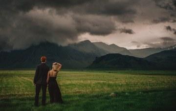 One-of-a-Kind Iceland Wedding Photos Go Viral