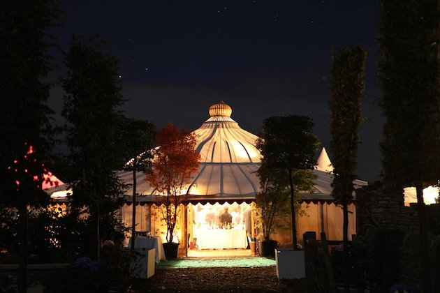 Ultimate Guide To Wedding Tents, Marquees, Yurts, Tipis   Bridal Musings Wedding Blog 14