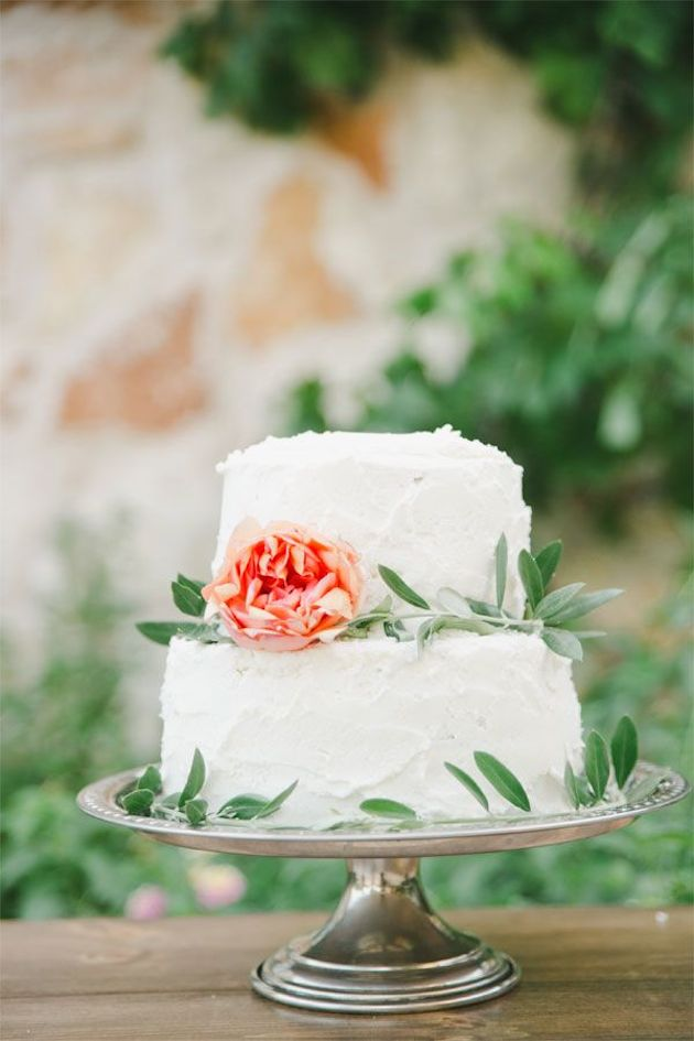 10 tips for making your own wedding cake crazyforus. Black Bedroom Furniture Sets. Home Design Ideas