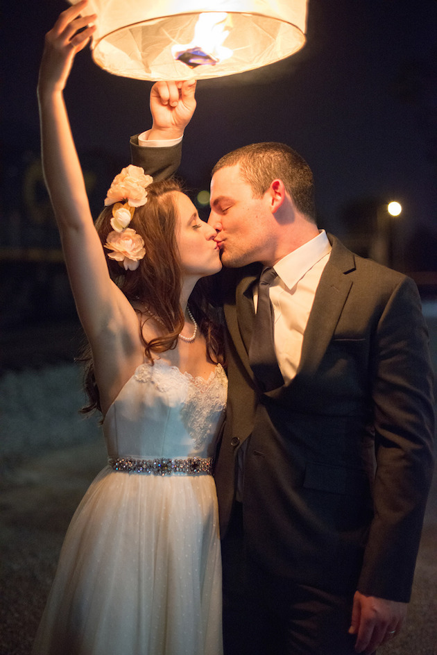 d11e72ee5d8 10 Must-Haves for a New Year s Eve Wedding