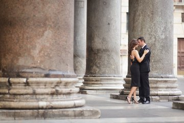 Romantic Rome Engagement Shoot | Teresa Carnuccio | In Love Italy Photography | Bridal Musings Wedding Blog 3