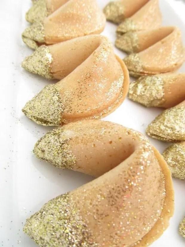 Wedding Trend Alert | Edible Gold and Glitter | Bridal Musings Wedding Blog 2