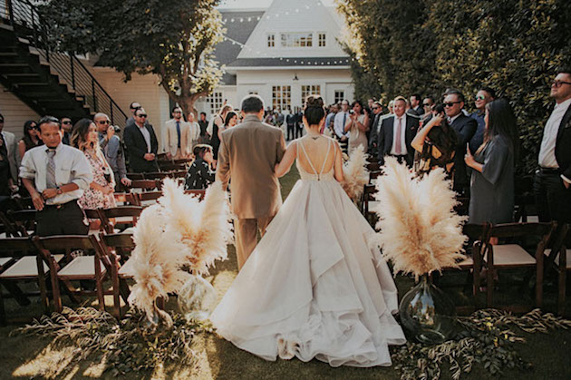 23 Gorgeous Ways To Use Pampas Grass for Your Wedding