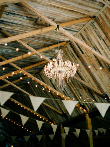 gorgeous-barn-wedding-by-milton-photography-25