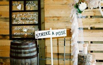 gorgeous-barn-wedding-by-milton-photography-3