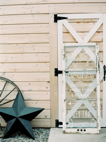 gorgeous-barn-wedding-by-milton-photography-34