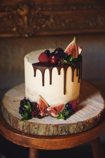 Hygge Wedding Inspiration by Sam Gibson Weddings & The Little Wedding Helper 15