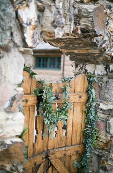 winter-wedding-inspiration-by-amy-caroline-photography-13