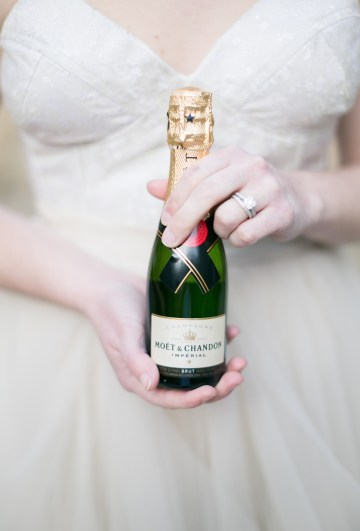 winter-wedding-inspiration-by-amy-caroline-photography-17