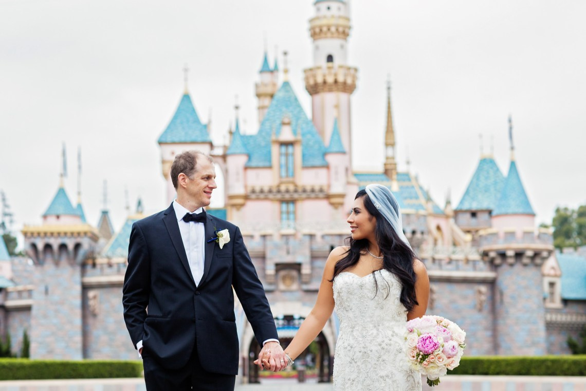 whiterabbitphotoboutique_disneylandwedding-5244_small