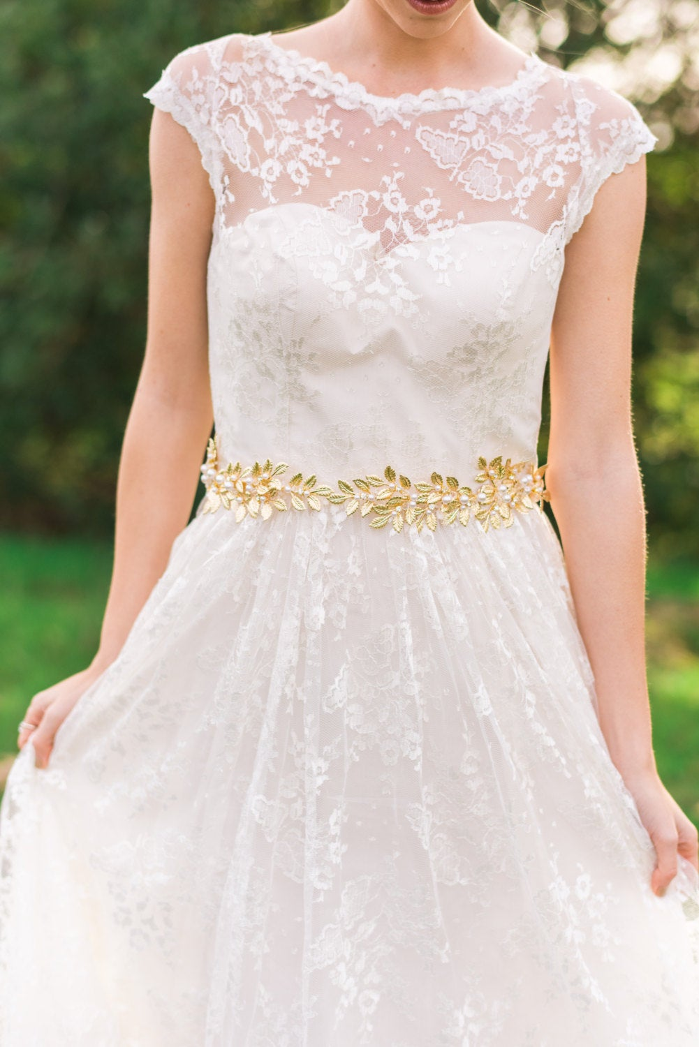 7 Beautiful Bridal Sashes & Belts