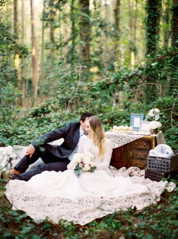 Woodland Wedding Inspiration by Molly Lichten Photography and Jamie Leigh Events 13