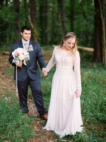 Woodland Wedding Inspiration by Molly Lichten Photography and Jamie Leigh Events 22