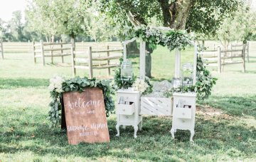 Romantic Floral Wedding by Hay Alexandra and Geomyra Lewis Wedding and Events 24