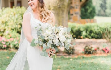 Romantic Floral Wedding by Hay Alexandra and Geomyra Lewis Wedding and Events 8