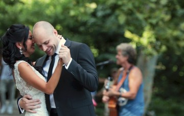 A Tear-Jerking Wedding Film with a Very Special First Dance
