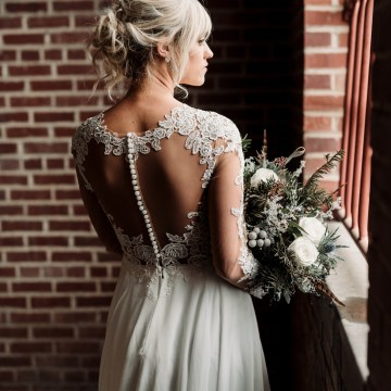 Moody Winter Wedding Inspiration by Kelcy Leigh Photography 14