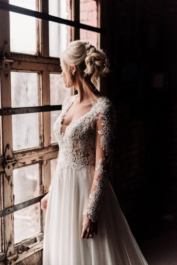 Moody Winter Wedding Inspiration by Kelcy Leigh Photography 26