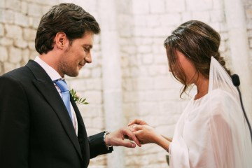 Cool Spanish Wedding by Sara Lobla and La Puta Suegra 25
