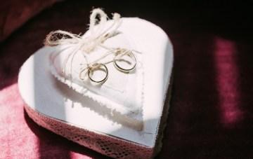 Cool Spanish Wedding by Sara Lobla and La Puta Suegra 6