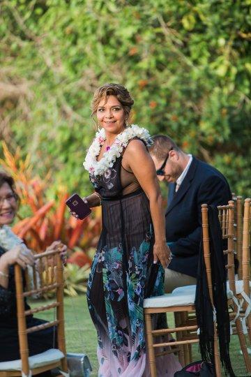 Hawaii Elopement by Modern Elopement and Sea Light Studios 15