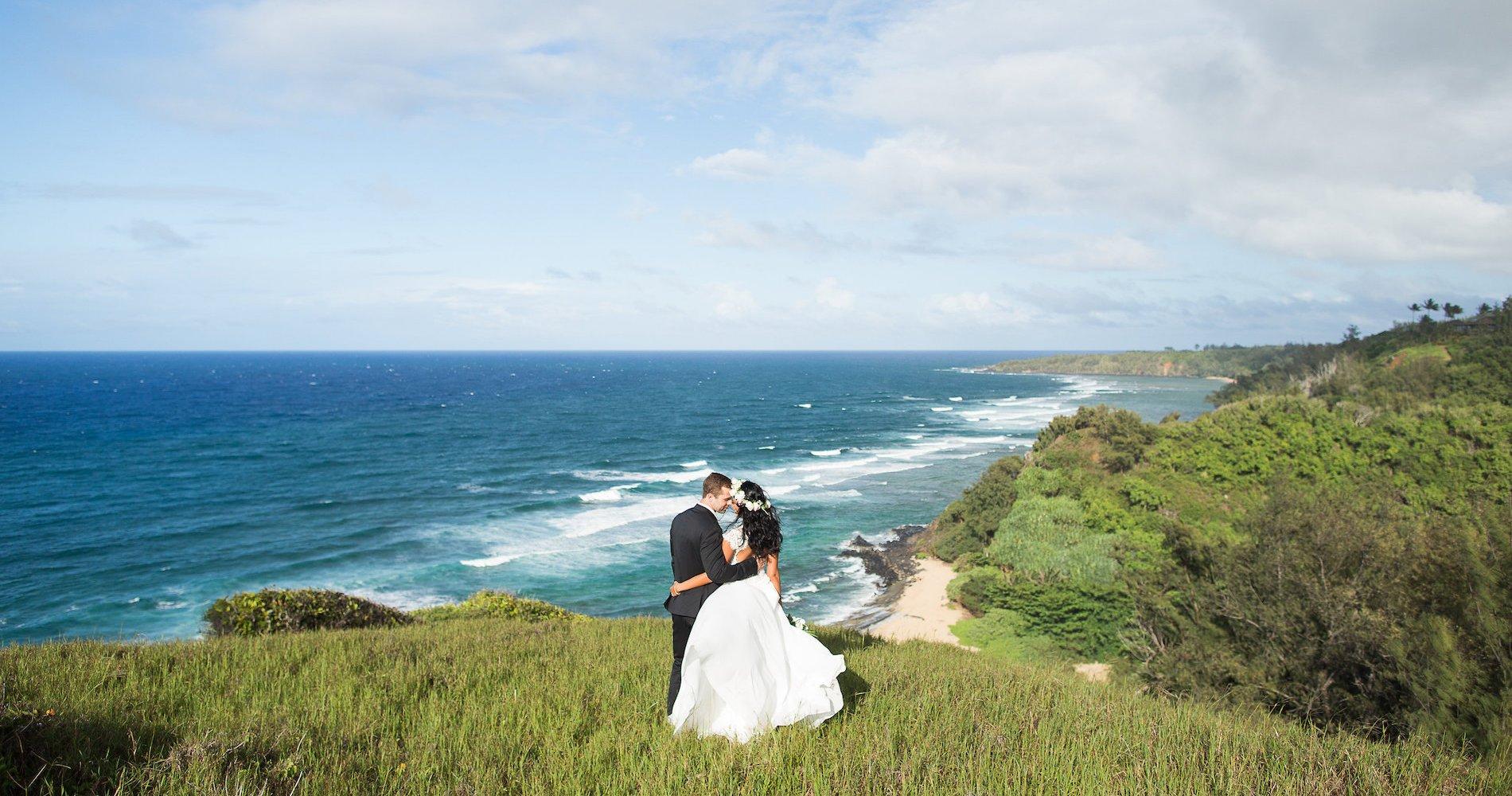 Hawaii Elopement by Modern Elopement and Sea Light Studios 43