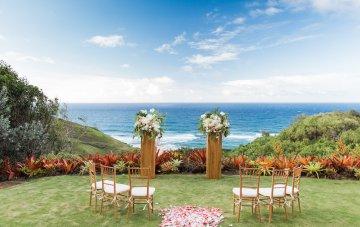 Hawaii Elopement by Modern Elopement and Sea Light Studios 59