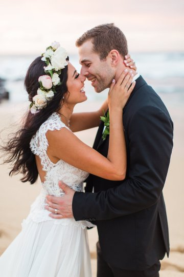 Hawaii Elopement by Modern Elopement and Sea Light Studios 92