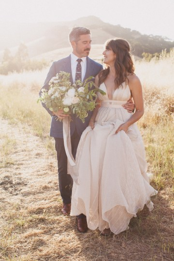 Modern Farmhouse Wedding Inspiration by Alexandra Wallace and A Lovely Creative 67