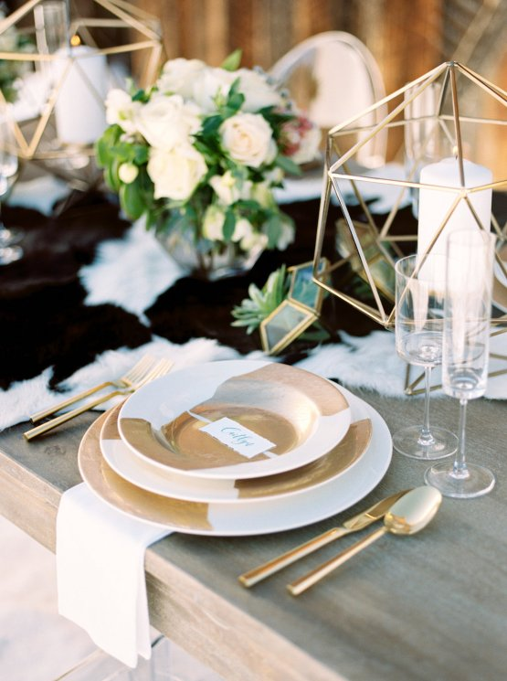 Contemporary Winter Wedding Inspiration by Rachel Havel and BluebirdProductions 23