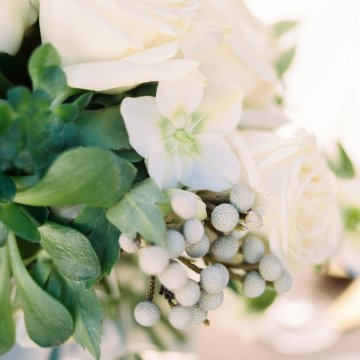 Contemporary Winter Wedding Inspiration by Rachel Havel and BluebirdProductions 35
