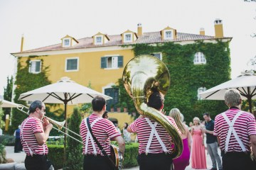 Fun Destination Wedding in Portugal by Jesus Caballero Photography 40