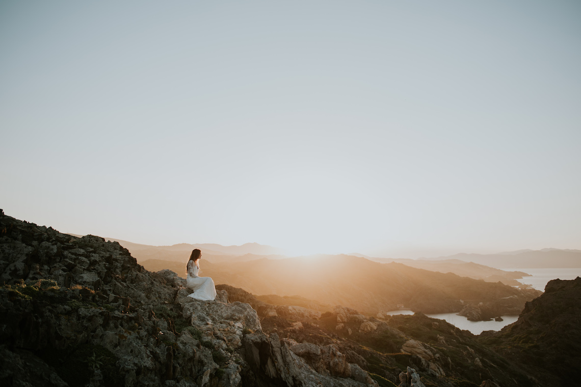 Free-Spirited & Panoramic Boho Wedding Inspiration   Sara Cuadrado and El Ramo Volador 17